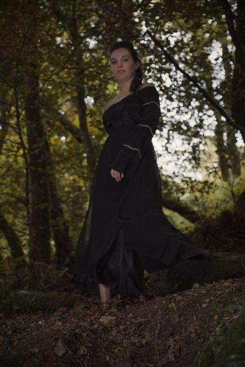 Robe spirituelle noir .810e
